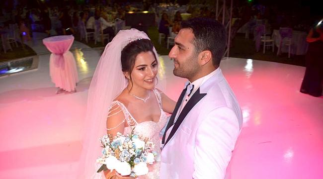 Demet İle Kaan Evlendi