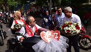 100. yıla 100 motosikletli nikah