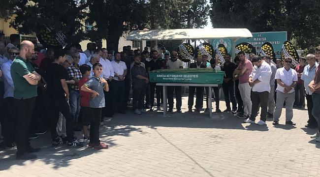 Akhisarlı hayırsever işadamı Osman Barlık, son yolculuğuna uğurlandı