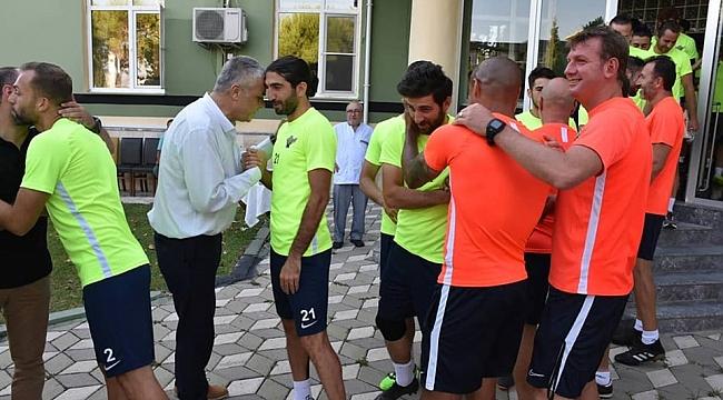 Akhisarspor'da bayramlaşma programı yapıldı