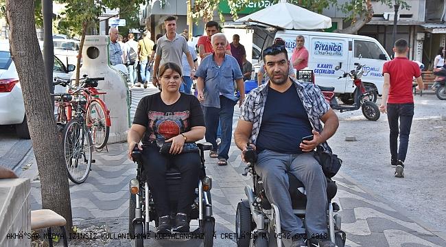 Engelli vatandaşlardan kaldırım işgali konusunda duyarlılık çağrısı