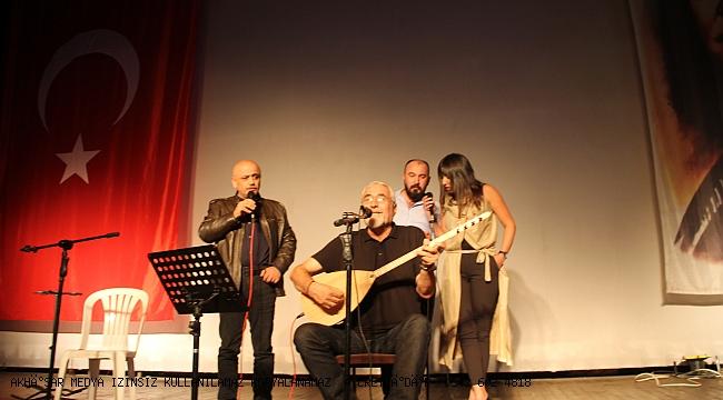 Akhisar da Cumhuriyet Konseri Muhteşemdi