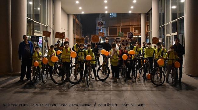 Akhisar Bisikletçiler Lösemili Çocuklar için pedal çevirdi