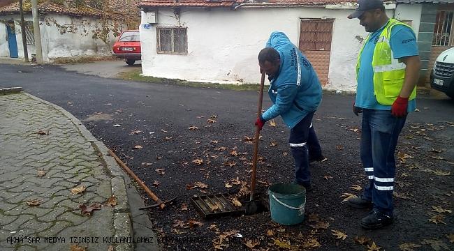 Akhisar'da Yağmur Suyu ve Kanalizasyon Hatları Temizlendi