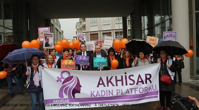 Akhisar kadına şiddete hayır dedi