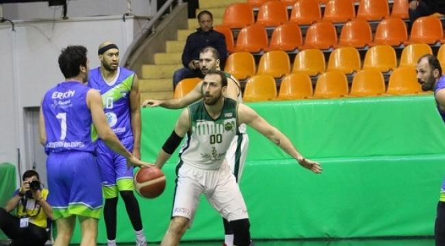 Akhisar Belediye  Basket  Çıkışına Devam Ediyor