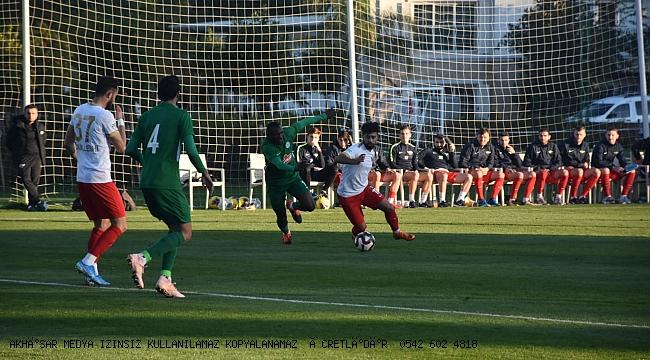Akhisarspor, Çaykur Rizespor ile berabere kaldı  2-2