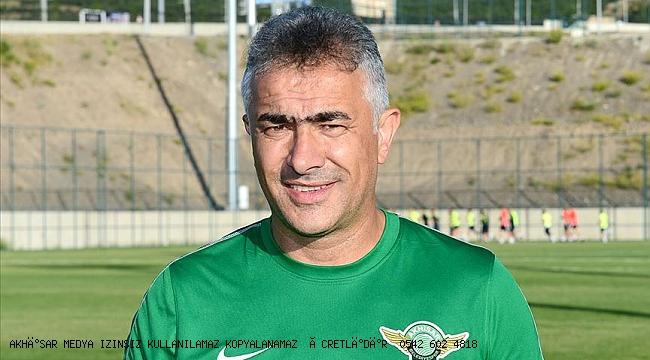 Akhisarspor Mehmet Altıparmak ile yollarını ayırdı