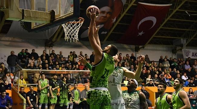 Manisa derbisinde  kazanan Akhisar Belediye 76-65