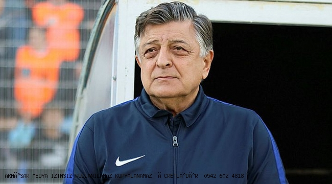 Adana Demirspor'u deplasmanda 3-2 yenen Akhisarspor, futbol mucizesine imza attı.