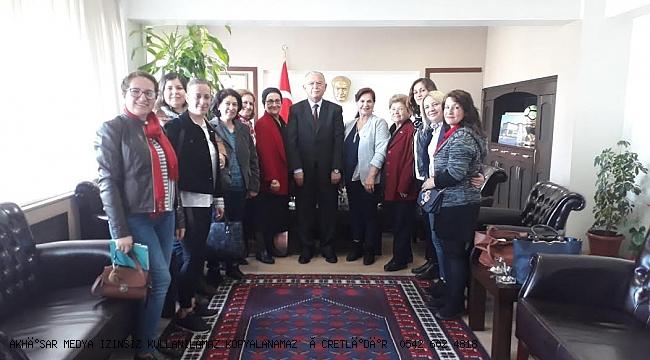 Akhisar CHP Kadın Kollarından Kaymakam Kaya'ya Ziyaret