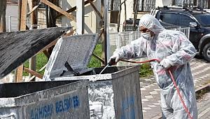 Akhisar'da çöp konteynerleri dezenfekte ediliyor
