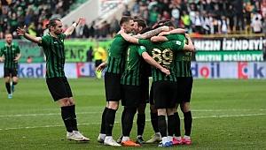TFF 1'inci Ligin yaş ortalaması en yüksek takımı  Akhisarspor