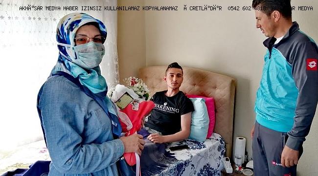 AKHİSAR İYİ PARTİ BİTLİS'TE YARALANAN BURAK UĞURLU'YU ZİYARET ETTİ