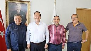 Akhisarspor, Akhisar Belediyesi ile göğüs sponsorluğu için sezon sonuna kadar anlaştı.