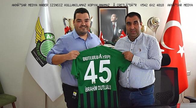 Akhisarspor'un 2020-2021 Sezonu Forma Sırt Sponsoru DUTLULU YAPI oldu.