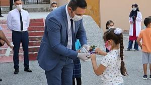 Başkan Ergün Sözünü Tuttu  17 İlçede Öğrencilere Kuru Üzüm ve Mesir Macunu Dağıtıldı