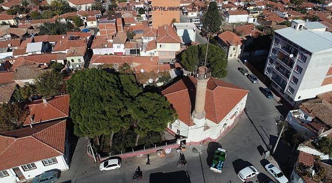 Efendi Camii'nin onarımı Akhisar Belediyesi'nce yapılıyor