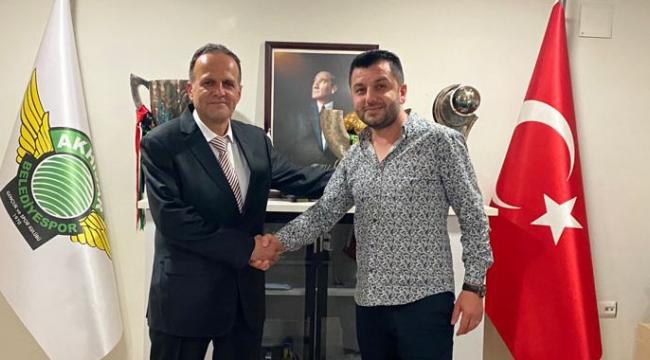 Akhisarspor gelecek sezon için Teknik Direktör Muhammet Yılmaz ile anlaştı.