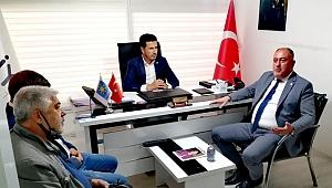 Alaşehir Belediye Başkan Yardımcısı Halis Özcan,Mustafa Kındıroğlu ve yönetimini Akhisar'da ziyaret etti