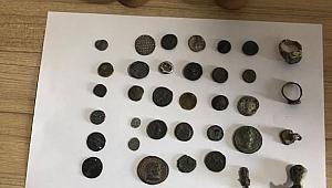 30 sikke ve tarihi eserler ele geçirildi